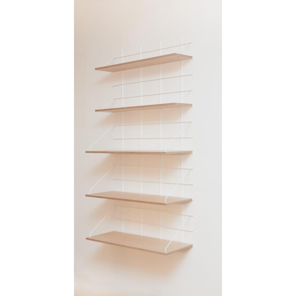 étagère Gassien Paris compo 32 verticale 2 bases blanches 5 planches contreplaqué bouleau mix profondeurs moyenne et grande 20cm 30cm vue de face bibliothèque salon déco livres plantes lampes rangement
